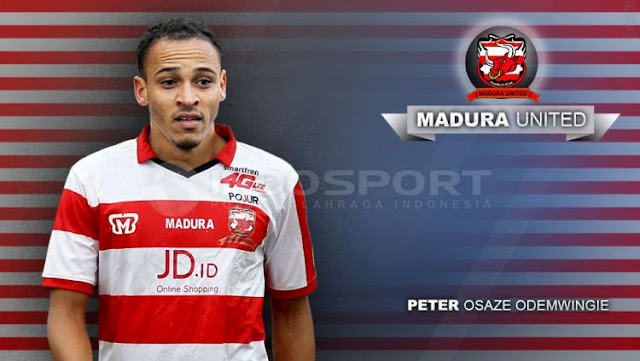 STRIKER ANDALAN MADURA UNITED PETER ODEMWINGIE DITAWAR KLUB INDIA !!