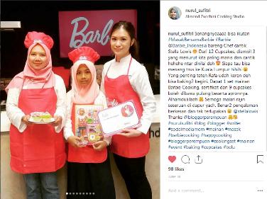 besama rafa chef stella lowis foto masak bersama barbie resep es teler cupcakes nurul sufitri blogger almond zucchini cooking studio