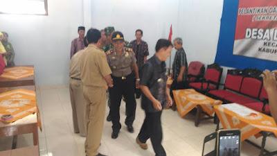 Kapolsek Pituruh Hadiri Sumpah Jabatan Sekretaris Desa Dlisen Wetan