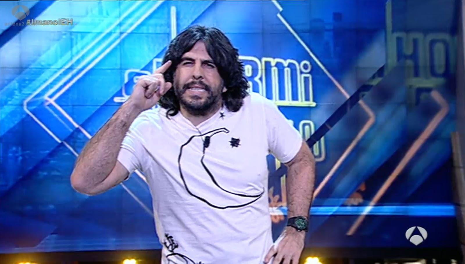 JJ Vaquero con su camiseta ecológica de Bichobichejo en el Hormiguero de Antena 3