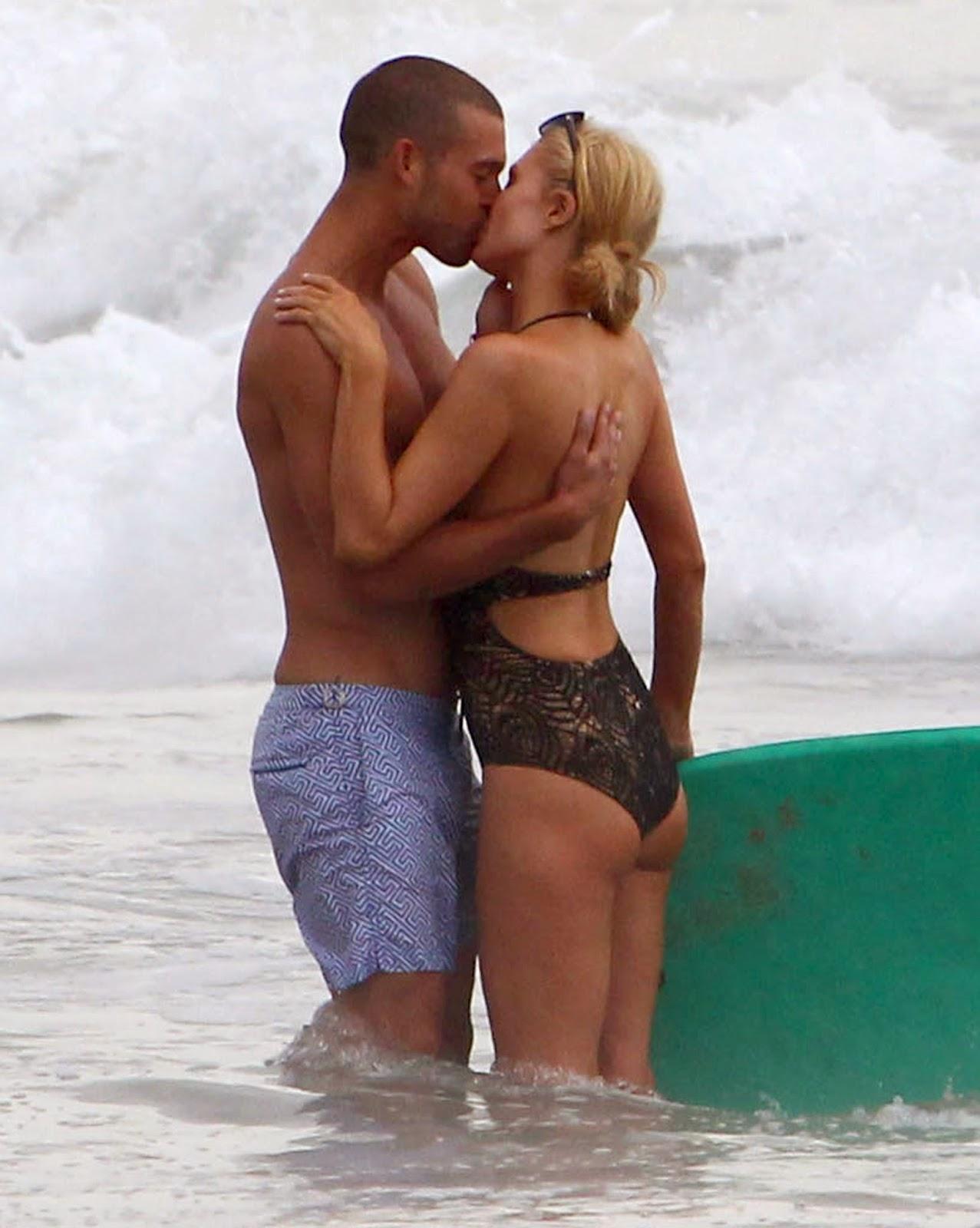 Paris Hilton Butt 44