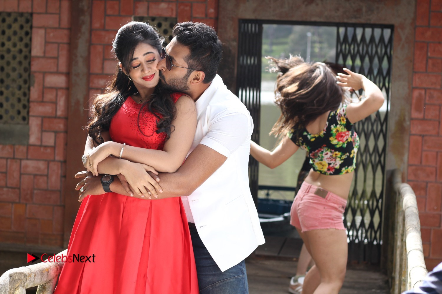 Sadhura Adi 3500 Tamil Movie Gallery