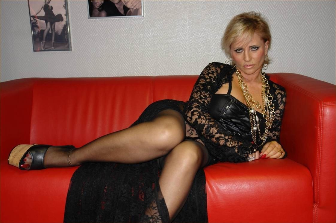 Mature Galleries Lady B 69