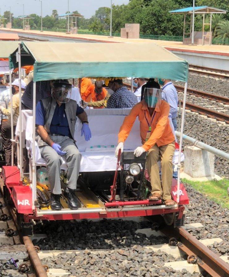 Alirajpur News- कमिश्नर ऑफ रेलवे सेफ्टी ने अलीराजपुर - खंडाला बड़ी लाइन का निरीक्षण किया