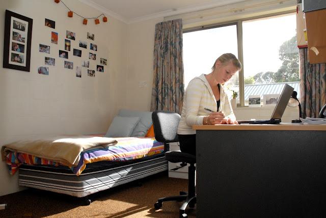 College Bedroom Decorating Ideas - The Interior Designs