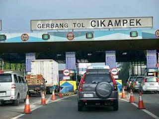 Lagi Jasa Marga Berlakukan Contra Flow Urai Kemacetan tol Jakarta-Cikampek