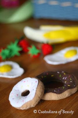 DIY Breakfast Felt Foods | Donuts| by CustodiansofBeauty.blogspot.com