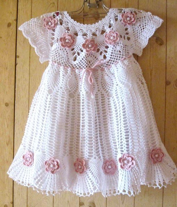 8b8d512ee Vestidos tejidos a ganchillo para recién nacidos