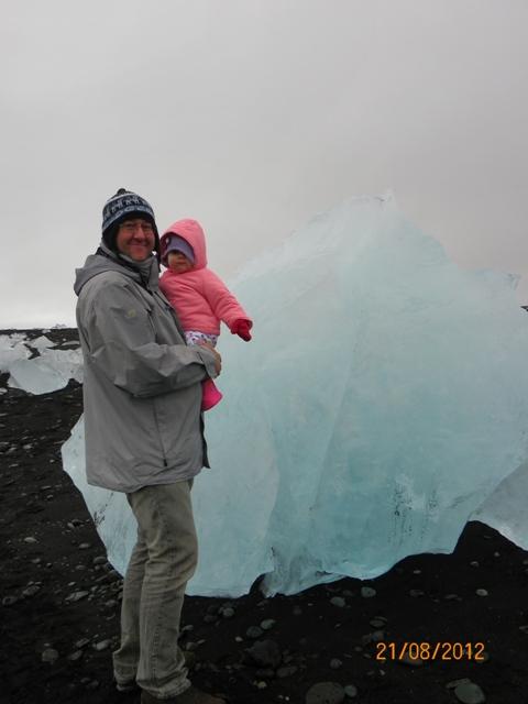 Helia en Islandia con 11 meses