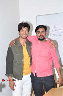 Vidyut Jamwal Adah Sharma Commando 2 Movie Team at Radio Mirchi 95  0031.jpg