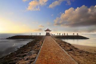 Panorama Keindahan Matahari Terbit Di Pantai Sanur Bali
