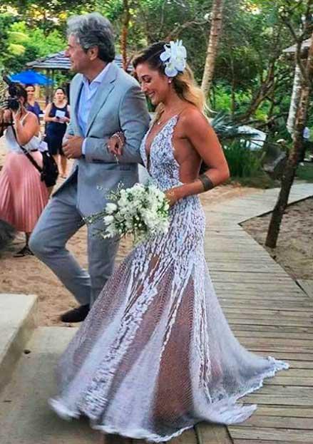 Gabriela Pugliesi casamento, vestido da Leticia Brostein