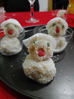 Muñequitos de coco para Navidad.