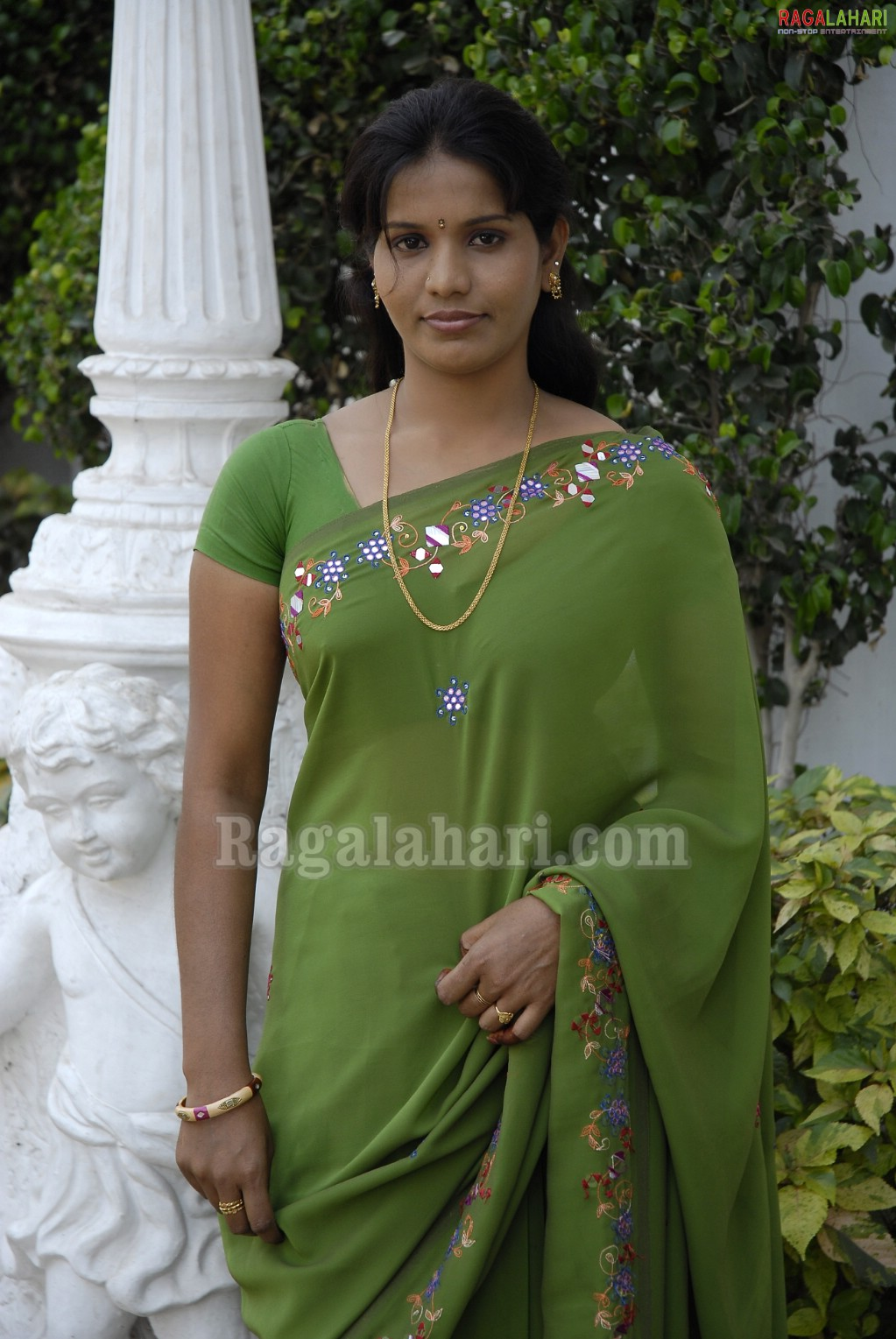 Indian Masala Actress Devi Sexy Saree Photos Indian -6612