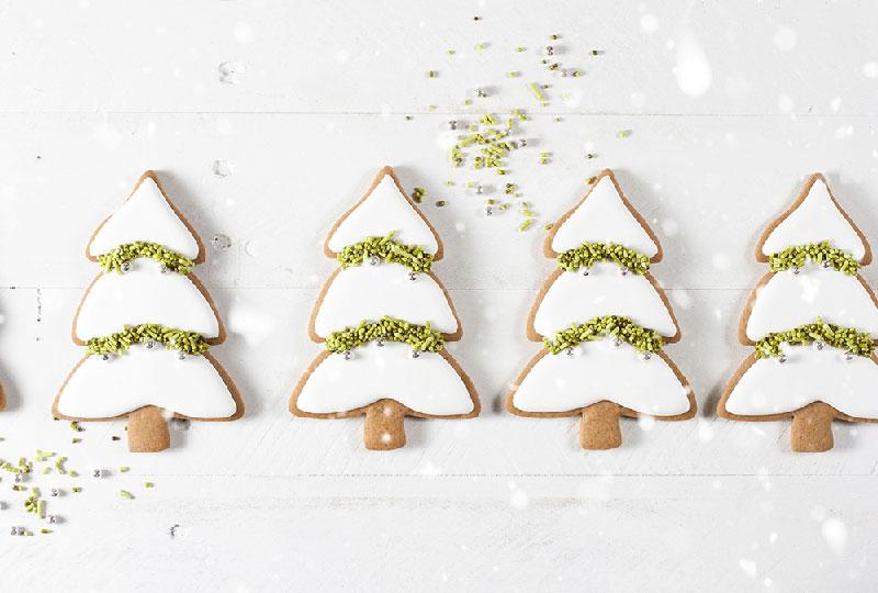 Torte, muffin e biscotti creati per accentuale lo spirito natalizio
