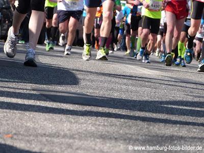 Hamburg Marathon, die Läufer kommen