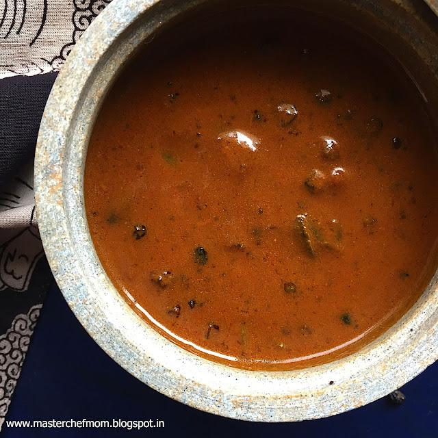 Tam Brahm Style Manathakkali Vathal Kuzhambu