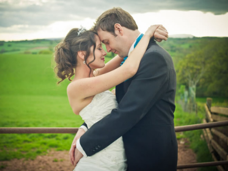 10 Wedding Rules It's Completely Okay To Break