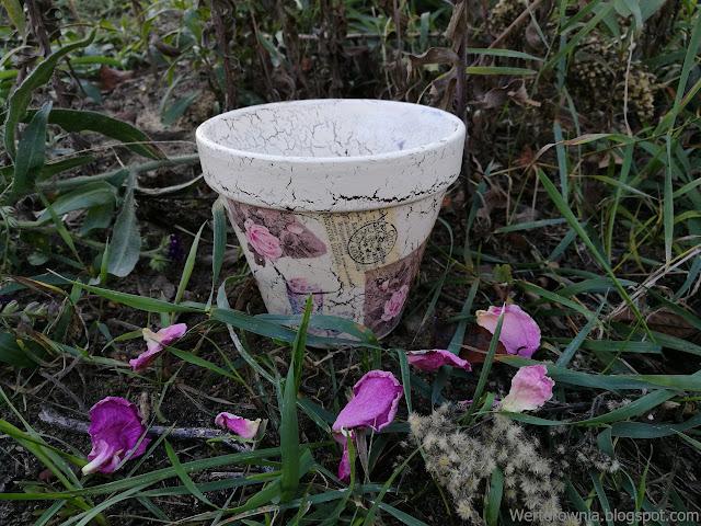 doniczka decoupage różowy
