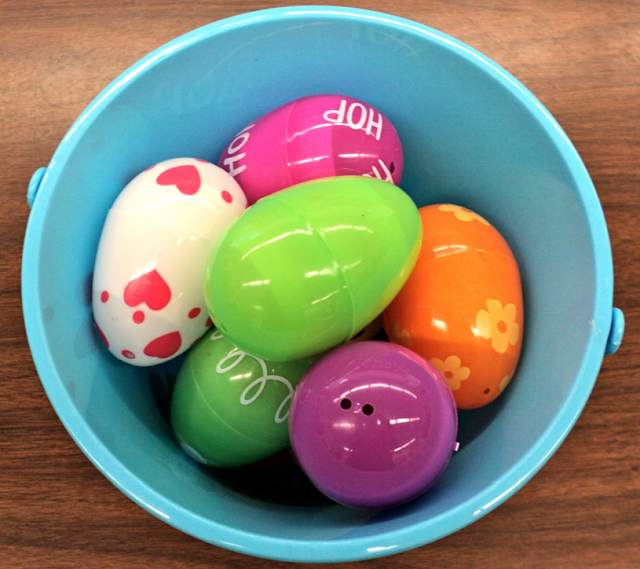 A spring poem for K or Grade 1. A fun egg activity.