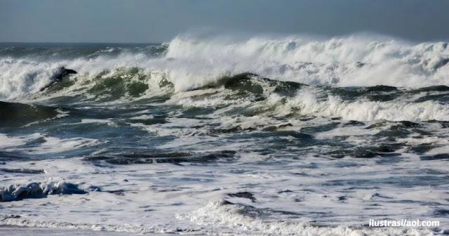 BMGK rilis peringatan potensi gelombang tinggi di perairan ntt