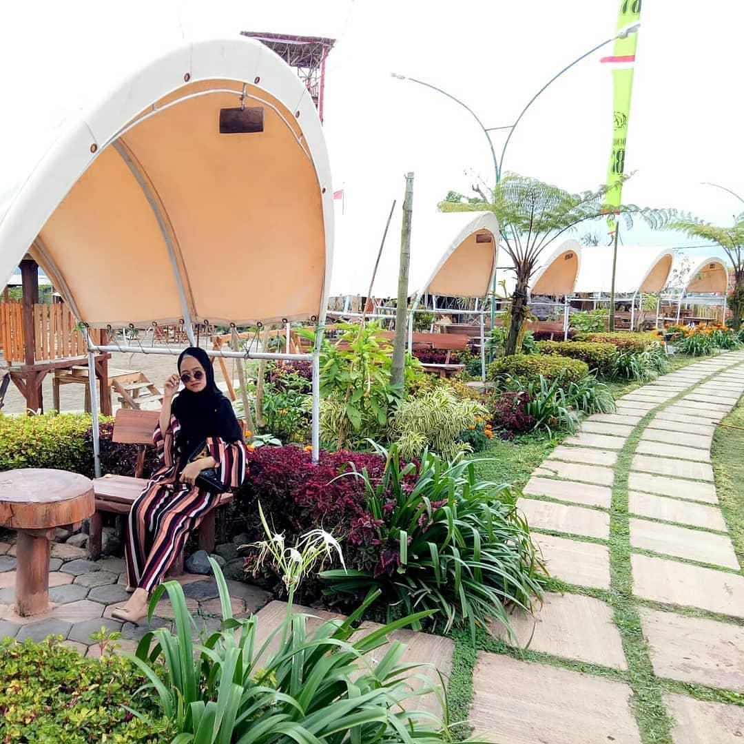 Harga Tiket Masuk Dan Menu Cafe Sawah Pujon Kidul Malang
