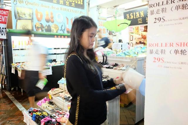 belanja di chinatown singapore