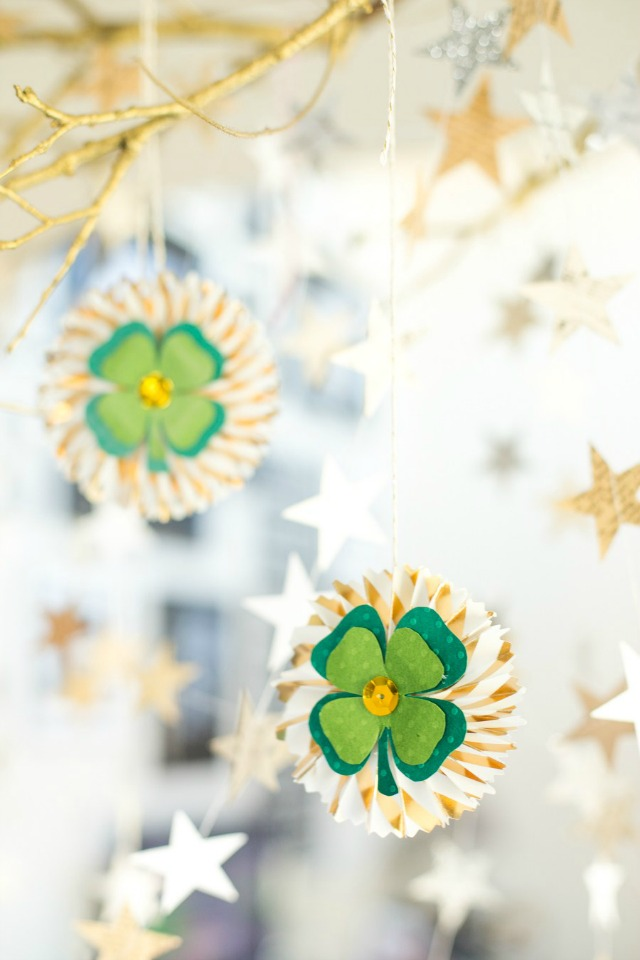 Beautiful DIY shamrock medallions for pretty St. Patrick's Day decor.