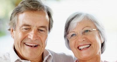 Cách bảo vệ răng miệng cho người già
