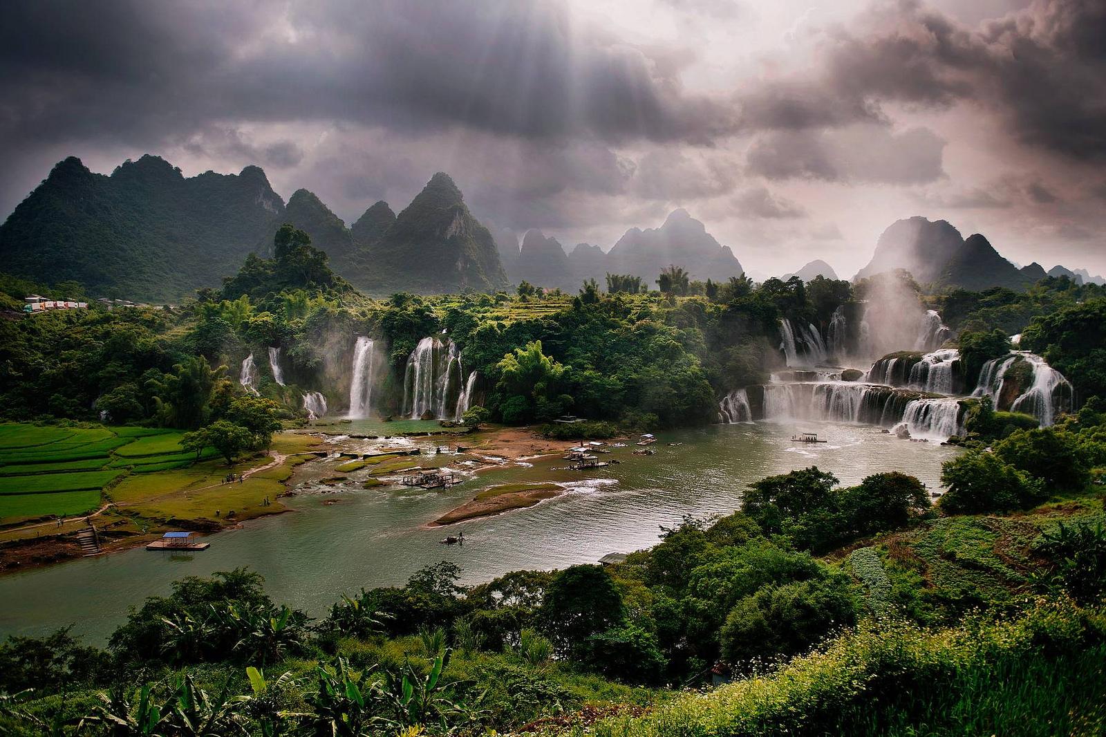 Wodospady Ban Gioc-Detian, Wietnam/Chiny