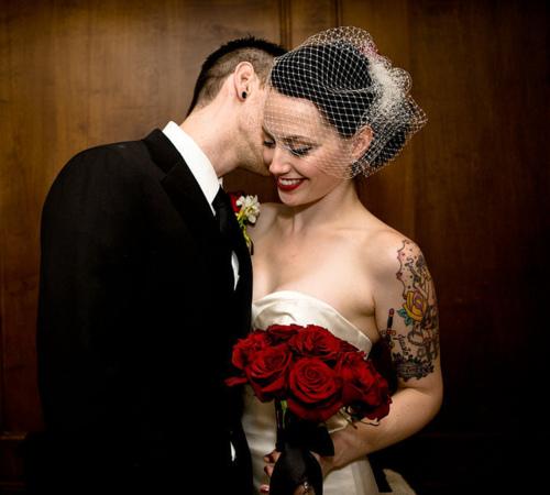 tumblr_lqq6pt1rpm1qzaz1zo1_500 Partecipazione per una coppia fuori dagli schemi... a tema tattooColore Rosso Tema cuori Tema Tattoo Tatuaggi