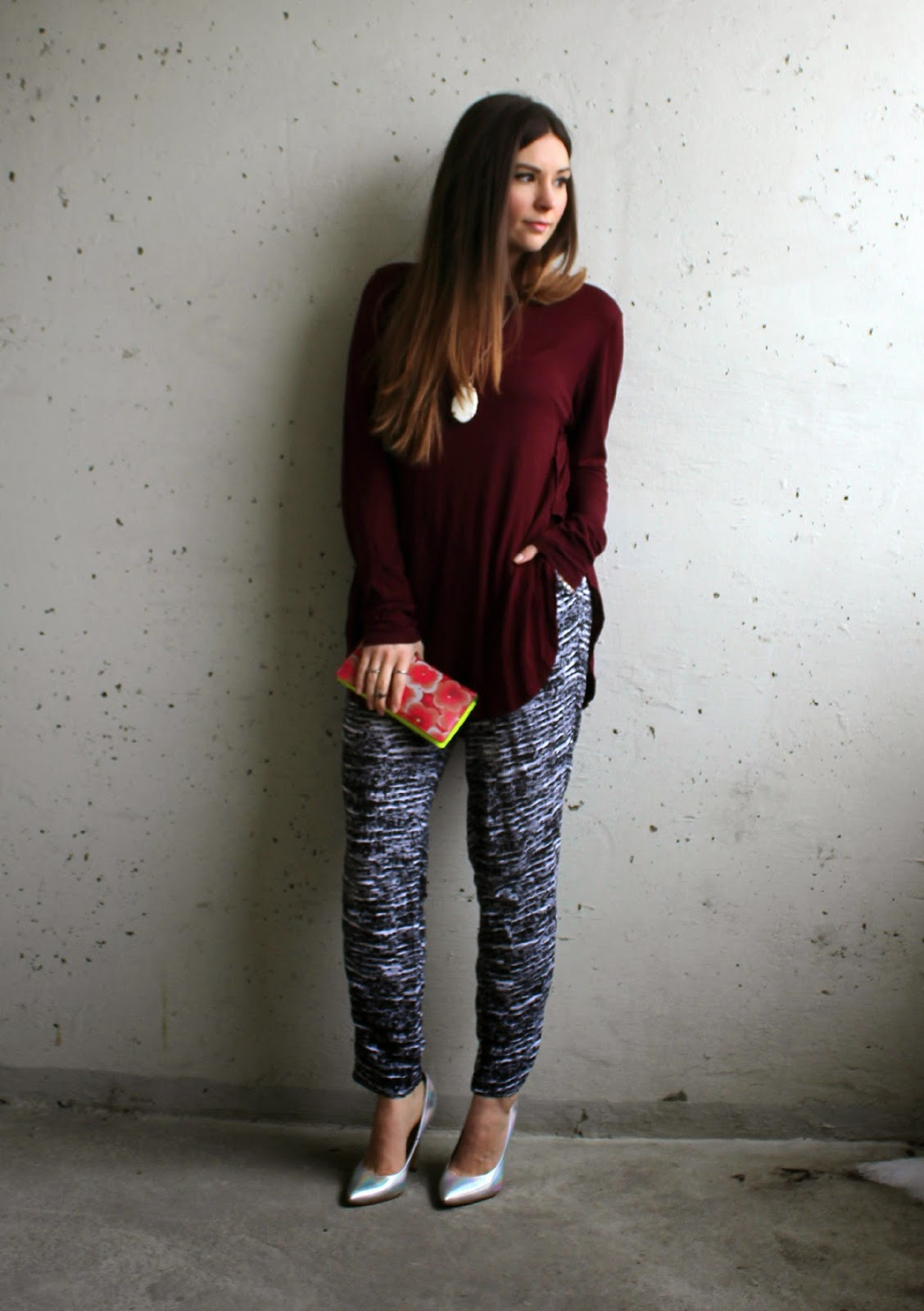 Burgundy cotton long sleeve, black and white cotton pants, silver pumps. Marc Jacobs wallet
