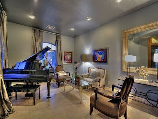 Decoración sala con piano