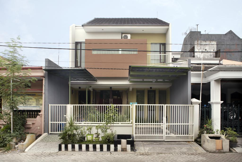 Modern House Indonesian Style With West Facing Orientation