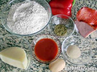Mini pizza ingredientele retetei (blat si topping)