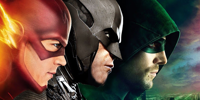 Todos sabem que no tradicional crossover das séries da DC na CW a Batwoman irá aparecer, além disso, há uma série da heroína em produção, com esta informação, muitos fãs se perguntaram, veremos o Batman na CW? A esperança dos fãs se tornou maior quando a Warner deu carta branca para usarem o Superman, e até criar uma série para ele no mesmo universo, já que não há mais planos para o homem de aço no cinema, vale também lembrar que o Batman anda meio conturbado também nas telonas.
