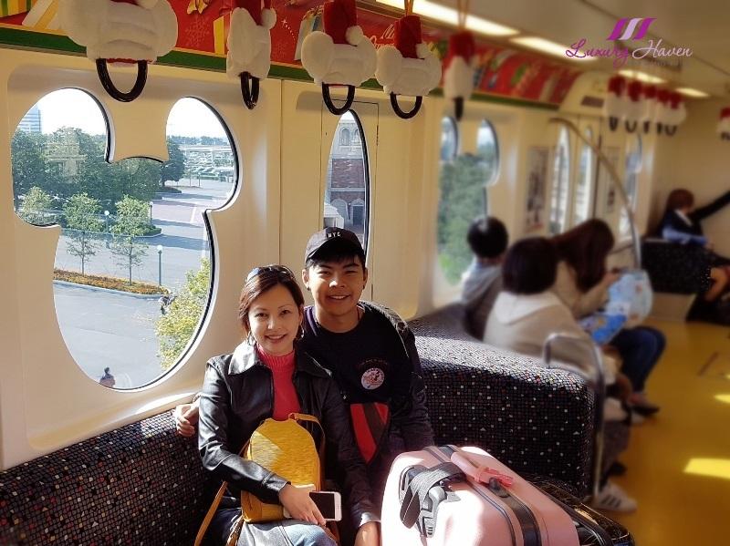 tokyo theme park disneysea monorail disney resort line