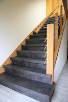 Treppenrenovierung - Anthrazit mit Eiche - Edelstahl-Geländer