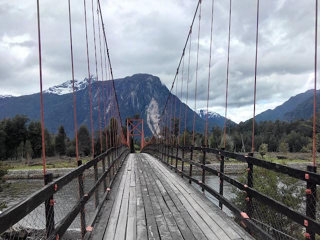 Pasarela sobre Río Quinto, Chile