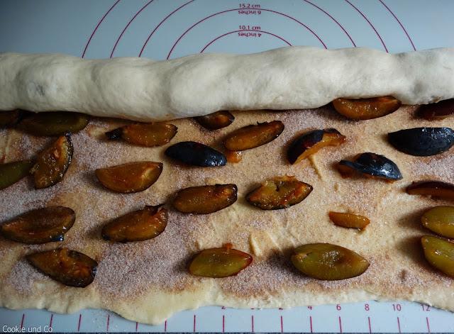 Zimtschnecken mit Zwetschgen