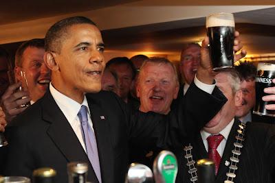 Hình ảnh chế hài hước của Obama - Cảm xúc vui, obama uong bia den
