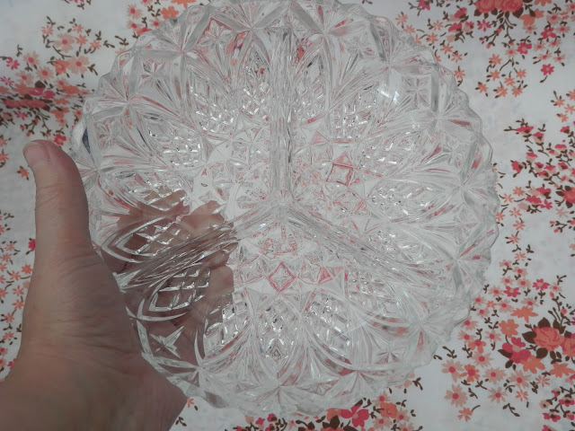Retro glass serving plate. Charity shop haul.  secondhandsusie.blogspot.co.uk