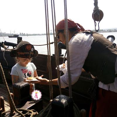 Незабываемый отдых на пиратской пинте в Болгарии