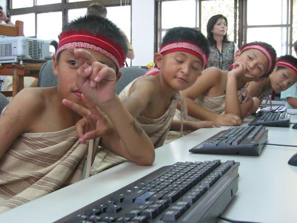 原住民電腦教室裡那些令人羨慕童顏,數位時代攝影