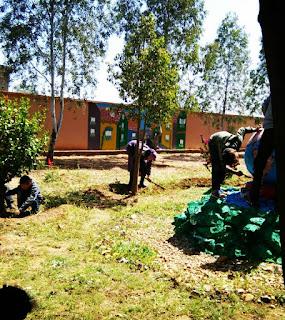 مدرسة أولاد العيش تنظم يوما تحسيسيا حول التغيرات المناخية و تؤسس شرطة البيئة المدرسية