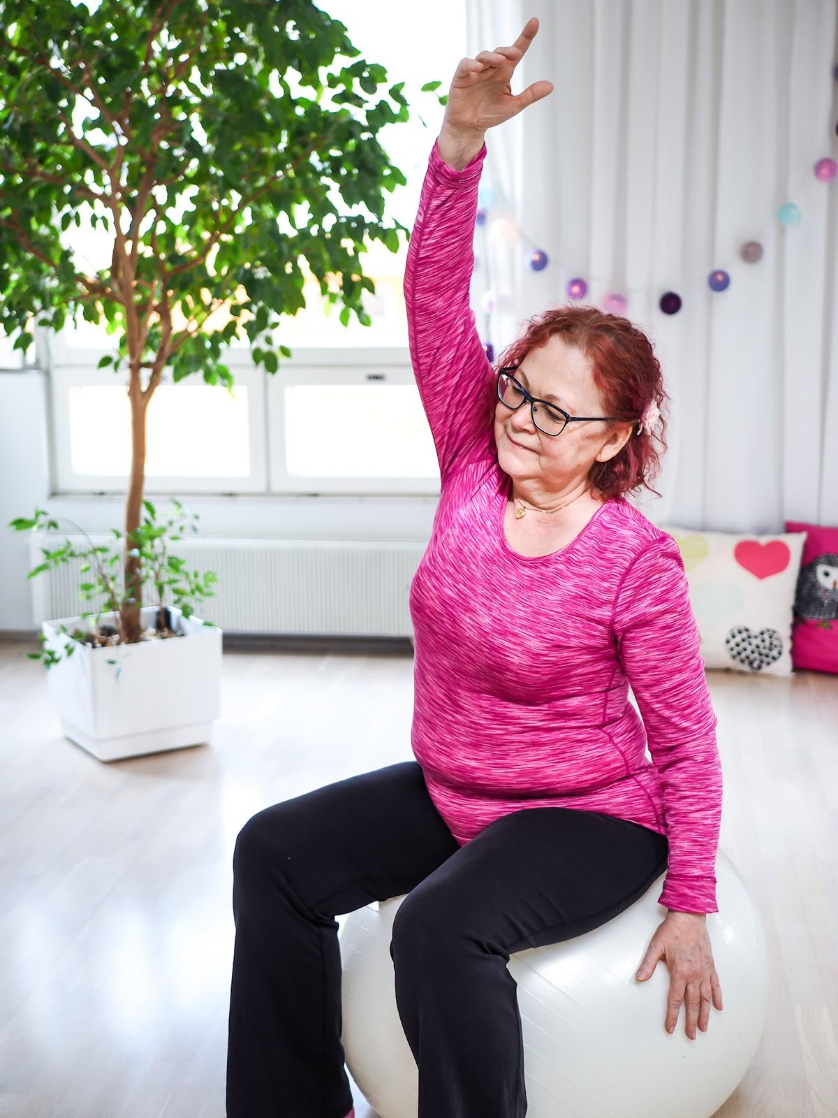 Äitiysfysioterapeutti Turku Hilppa Mäkilähde auttaa raskaana olevia ja synnyttäneitä äitejä mm. erkauman hoidossa ja lantionpohjan aktivoinnissa.