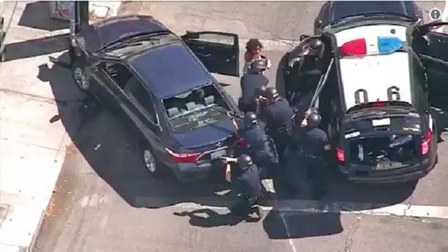 Λος Αντζελες: Ενοπλος οχυρώθηκε σε σούπερ μάρκετ με 40 ομήρους -Μία νεκρή