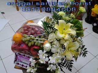 Rangkian Parcel Bunga Dan Buah Spesial