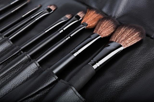 Os melhores cursos de maquiagem profissional online para fazer agora!