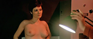 Edwige Fenech, Nue pour l'assassin, giallo, film, movie, italie, sexy, seins, boobs